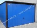Niebieski garaż typowy z bramą uchylną