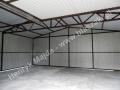 Brązowożółty garaż blaszany 6x5 - wnętrze konstrukcja