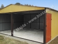 Ceglasto-piaskowy dwuspadowy garaż 6x5, boczne drzwiczki i bramy RAL 8004