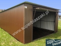 Garaż blaszak z blachy powlekanej RAL 8017 mat z wygodną bramą uchylną i dachem jednospadowym do tyłu.