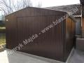 Brązowy garaż blaszany 4x5, dach dwuspadowy
