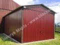 Garaż wiśniowy o wzmocnionej konstrukcji dachu i bramy